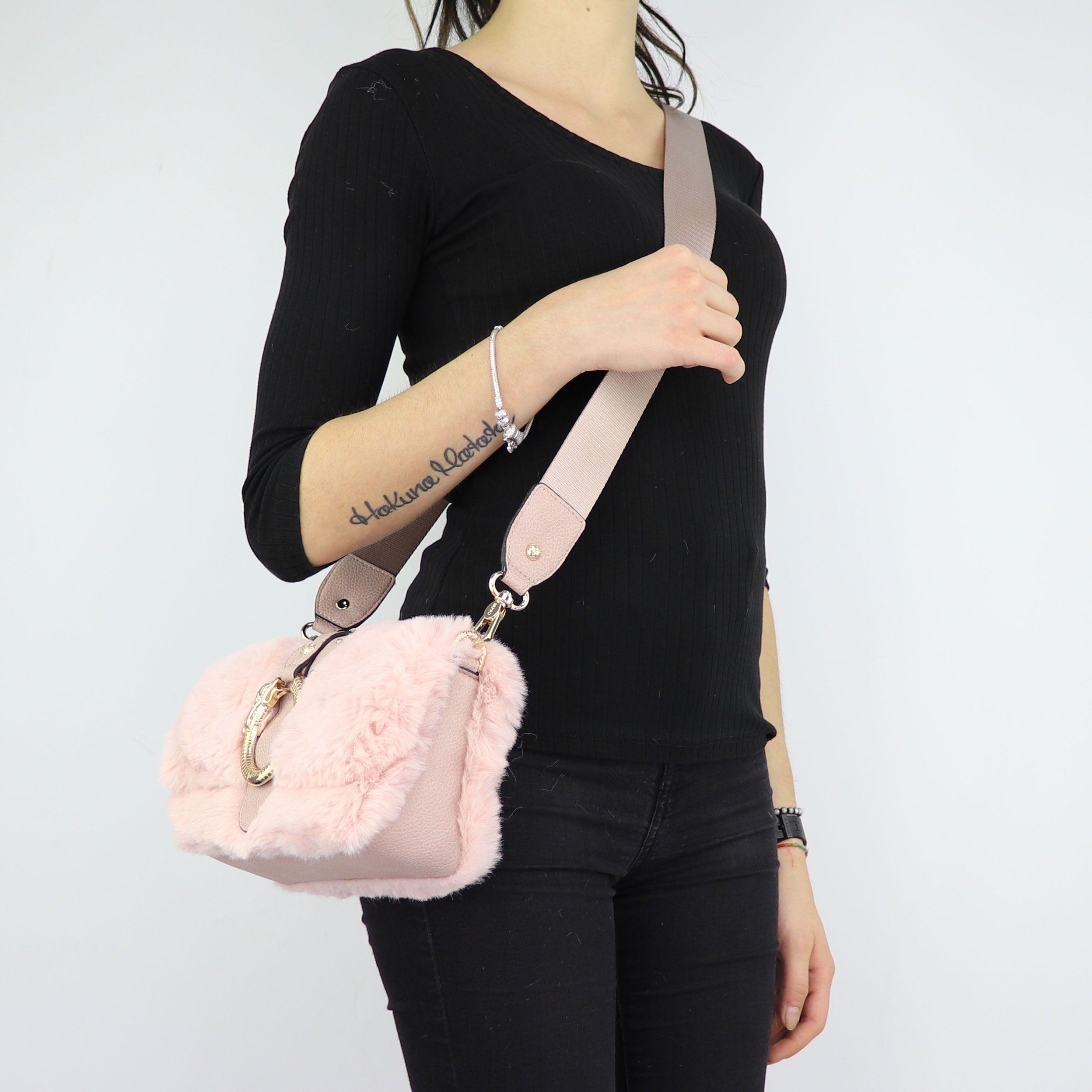 ... Borsa Liu Jo in pelliccetta rosa a tracolla Crossbody Darsena N68040  E0218 ... 3d31497b57c