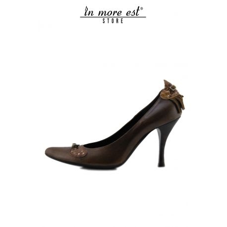 DECOLLETE' MEDIUM TIP BROWN LEATHER/NECK/SUEDE BUCKLES METAL SILVER FRINGES BROWN ON THE HEEL