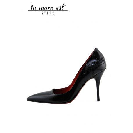 DECOLLETE' MEDIUM BLACK PATENT LEATHER TO THE TOE EMBROIDERY BLACK SIDE LOGO PACIOTTI