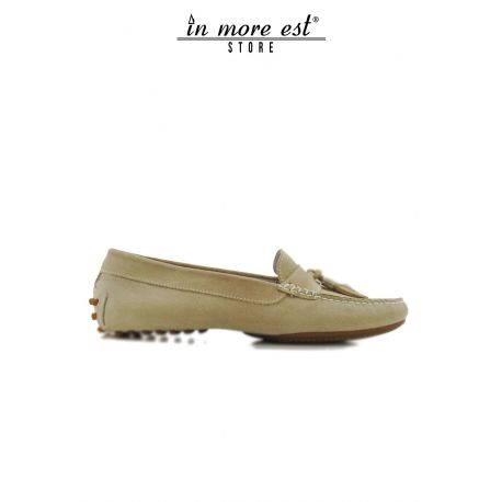 MOCCASIN BEIGE SUEDE BOW TOE