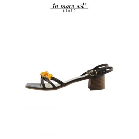 FLAT SANDAL BROWN LEATHER ALLAC ANKLE STRAP STONES