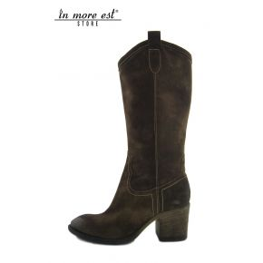 BOOT AVERAGE LEG-MEDIUM BROWN SUEDE
