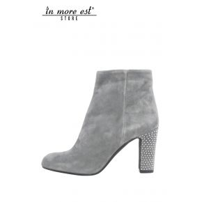 SOCKET MEDIUM HEIGHT ANKLE GREY SUEDE HEEL STUDS ARG