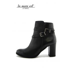 SOCKET MID HEEL BLACK CALF, BUCKLES AND METAL BURNISHED ON THE ANKLE