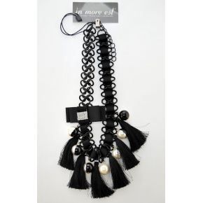NECKLACE WITH BLACK PENDANTS AND BOWS