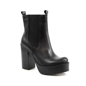 Tronchetto in pelle nero con tacco e fondo in gomma Geneve Shoes