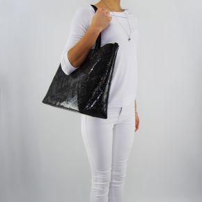 Einkaufstasche-Love Moschino und der glänzenden schwarzen