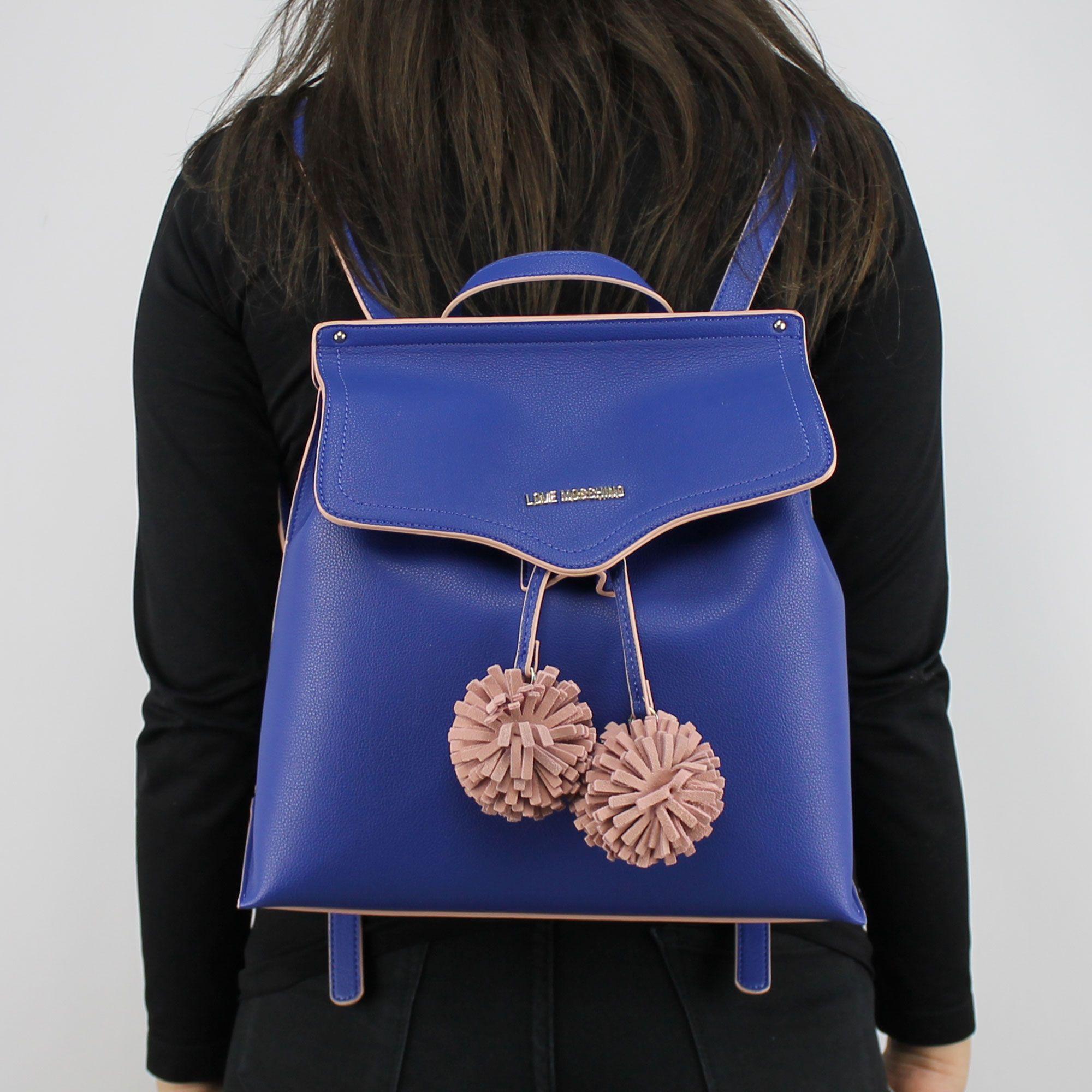 prix le plus bas 3abb9 756f9 Sac à dos de la marque Love Moschino bleu avec pompons rose JC4084PP15LJ0750
