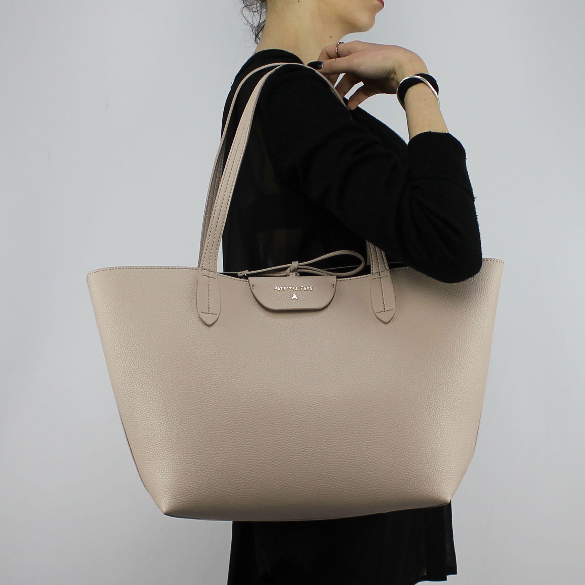 get online cheap prices price reduced Sac Shopping réversible Patrizia Pepe beige et noir 2V5452 AV63