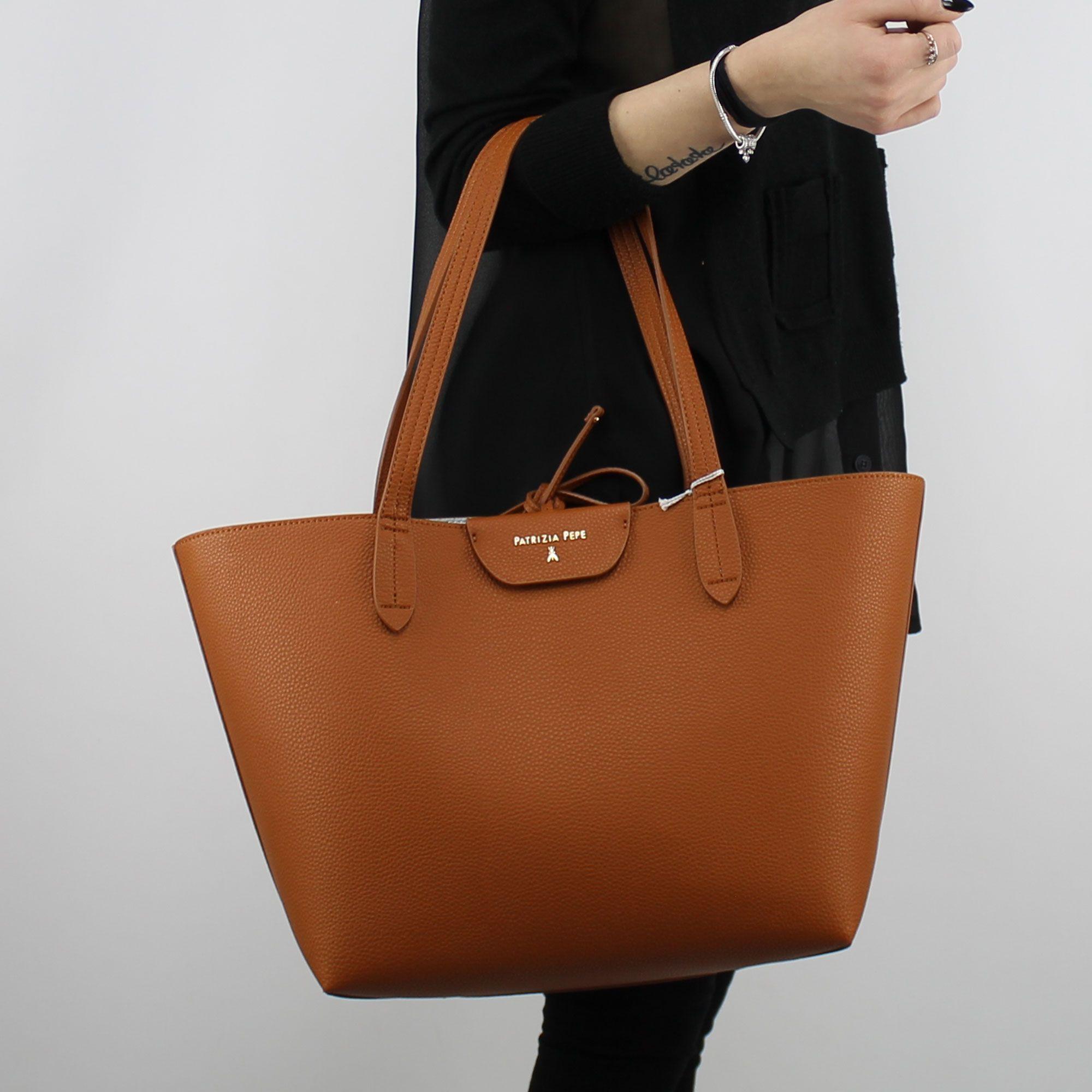 big sale c2d2a 17d2e Shopping bag reversible Patrizia Pepe leather and heavenly 2V5452 AV63